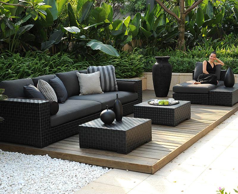 Tresdeep Sofa Set